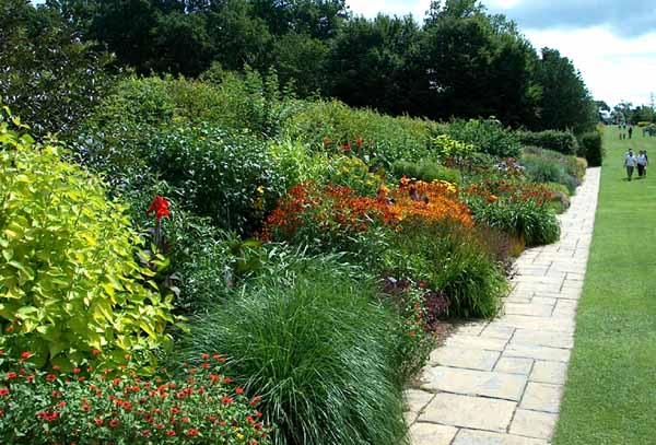 Rhs Wisley Gardens England Gardens Parks Squares And