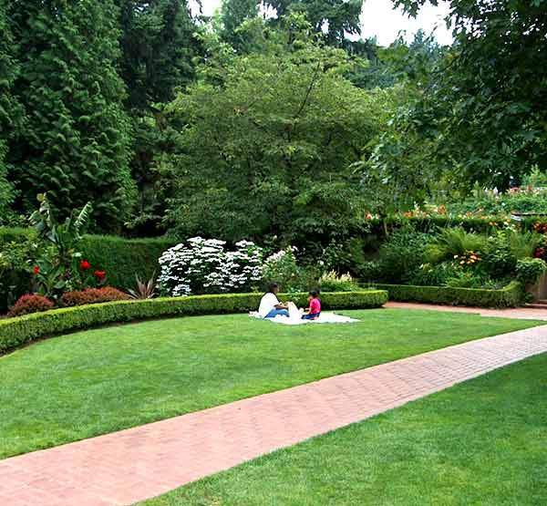 International Rose Test Garden in Portland, OR - USA - Gardens ...